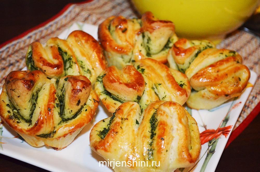 Быстрые булочки с чесноком и зеленью — aж слюнки текут