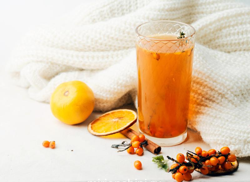 warm-sweet-organic-tea-with-sea-buckthorn-berries