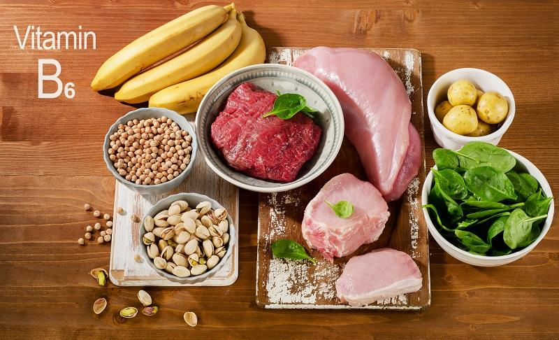foods-highest-in-vitamin-b6-on-wooden-table