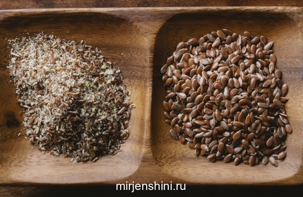 whole-flaxseeds-with-ground-flax-seeds